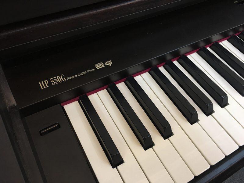 Đàn Piano Điện Roland HP 550 G