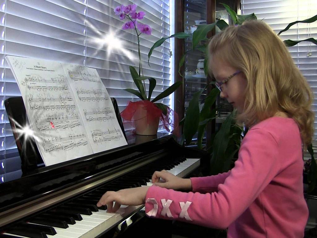Image result for làm sao để trẻ thích học piano