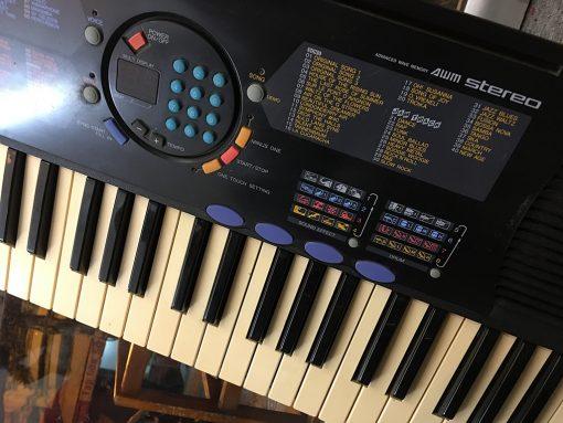 Đàn Organ Yamaha PSR 180
