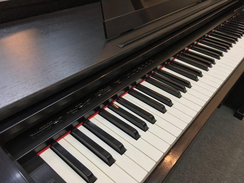 Đàn Piano Điện Yamaha CLP 570