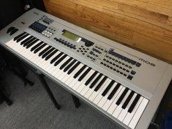 Đàn Yamaha MO 6